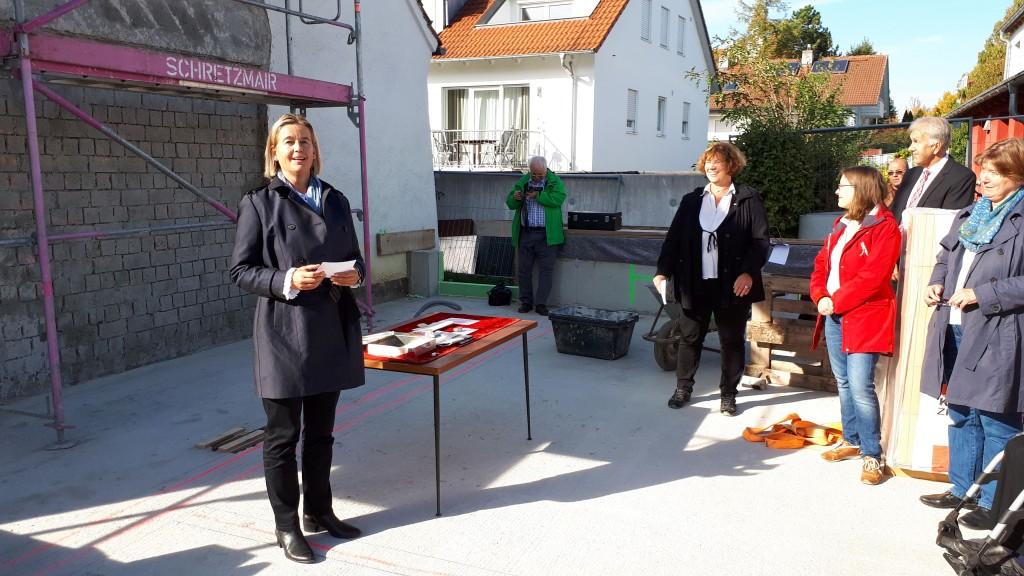 Dekanin Sperber-Hartmann spricht zur Tageslosung