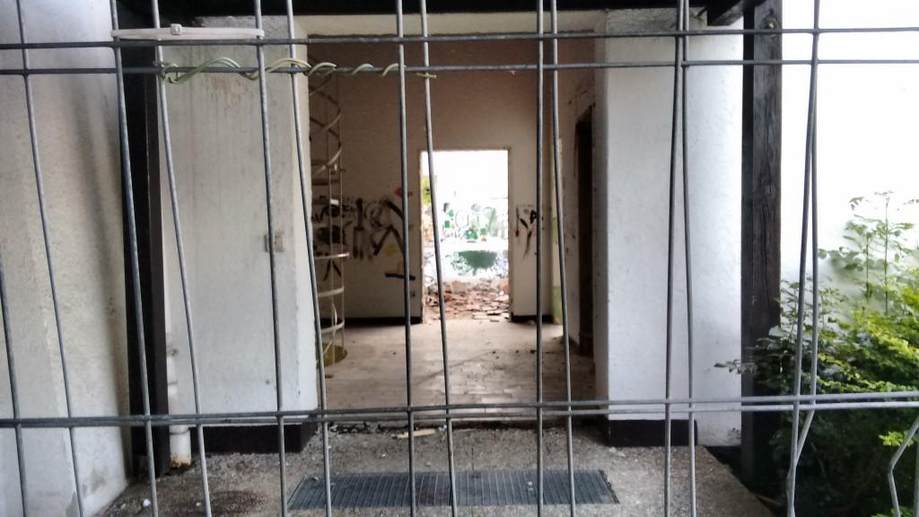 Blick ins entkernte Gemeindehaus